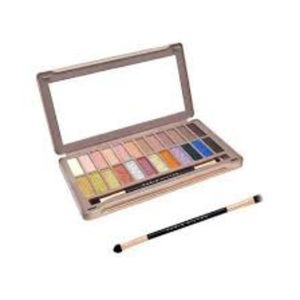 Paris Hilton Mega Glam eyeshadow palette